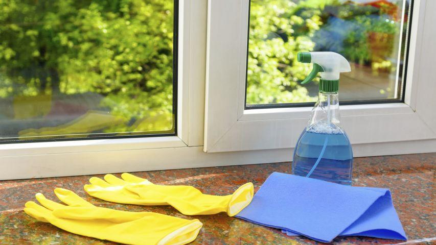 Servicios domesticos c mo limpiar cristales grandes de for Como limpiar cristales grandes